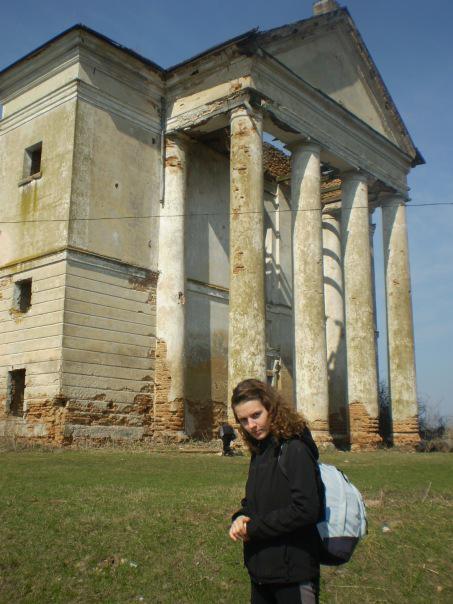 Невірків. Старовинний костел. 2010