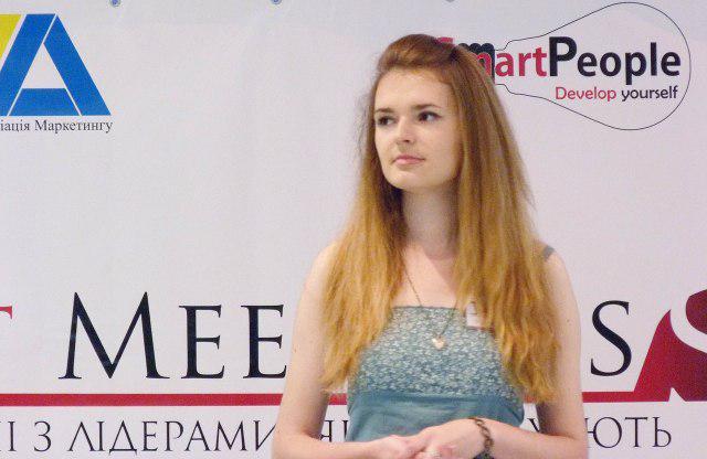 """Працездатність та здатність до самодисципліни студентки НУВГП Ірини Костюк - одна з тих """"цеглинок"""", на яких тримається успішна робота команди """"розумних людей"""""""