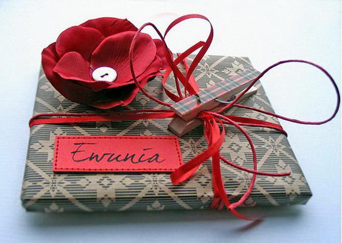 Как по цене и. Пакет предоставляет. органзы. новогодних подарков.