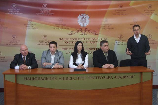 Віктор Данилов вітає переможців проекту