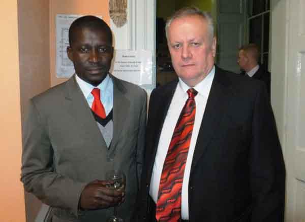 Мер Рівного В.Хомко з мером м.Каліману (Замбезія, Мозамбік) Мануелем де Арауджо