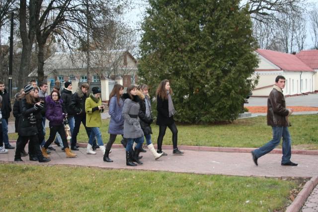 Для учнів із різних регіонів організовують не лише цікаве та корисне навчання, а й екскурсію Острозькою академією - першим університетом Східної Європи з унікальною історією