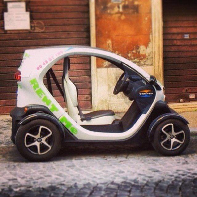 """""""У Римі ми не бачили великих автомобілів, лише маленькі компактні автівки та екомобілі"""", - розповідають Оксана і Женя"""