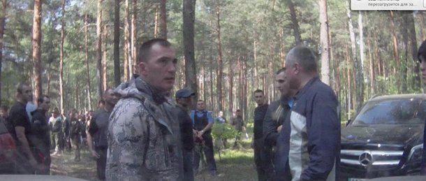 На місці розборок за бурштин нардепа від Партії регіонів Володимира Продивуса зафіксували відео реєстратори та чимало свідків