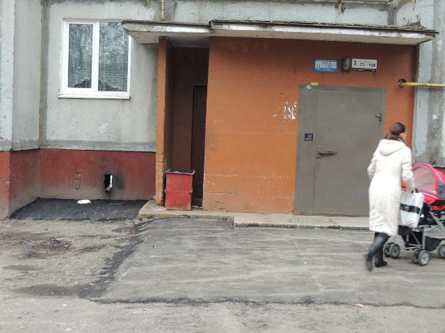 Прибудинкові території на Орлова заасфальтовано