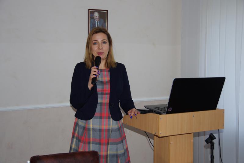 Доктор університету Зелена Гура (Польща) Йоганна Осієвич проводить майстер-клас у РІ КУП НАНУ. 20 березня 2015