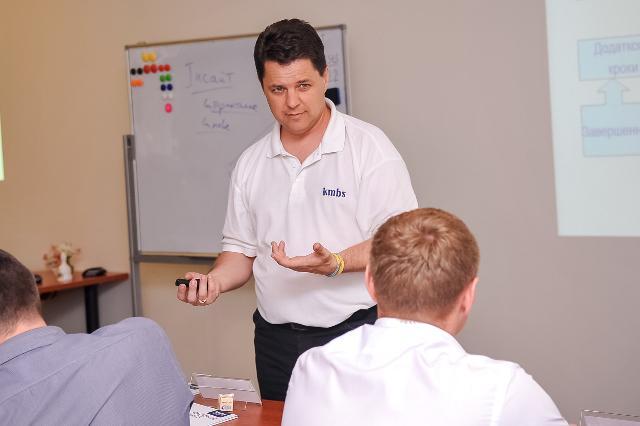 Михайло Винницький вже вдруге викладає у Рівному для управлінців Західної України